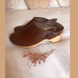 ❀VTG Dark Brown Clog Shoes Size 10